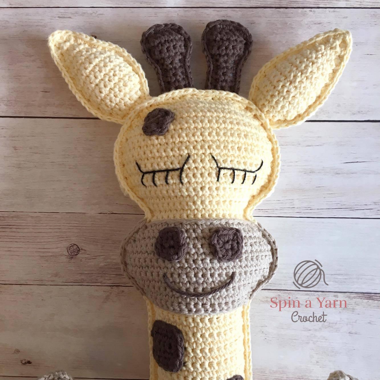 Amigurumi crochet giraffe pattern | Amiguroom Toys | 1334x1333