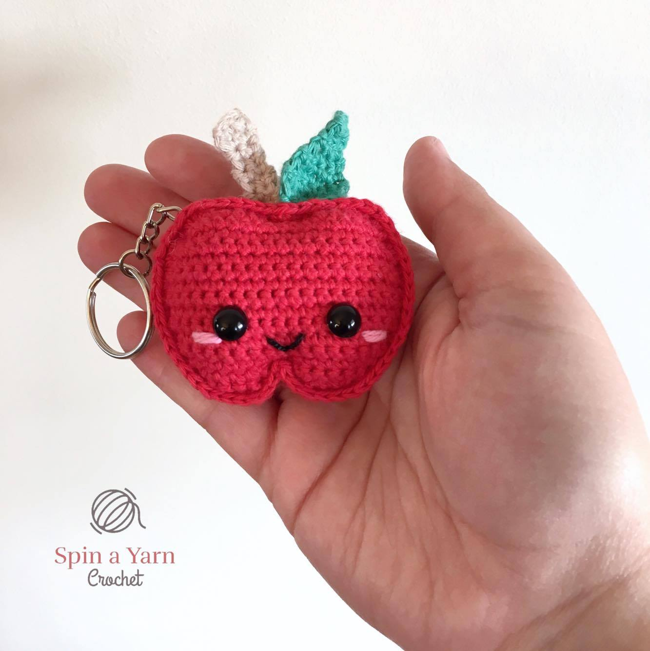 Crocheted (and knitted) Strawberry Keychain (or garland). This is ... | 1334x1333