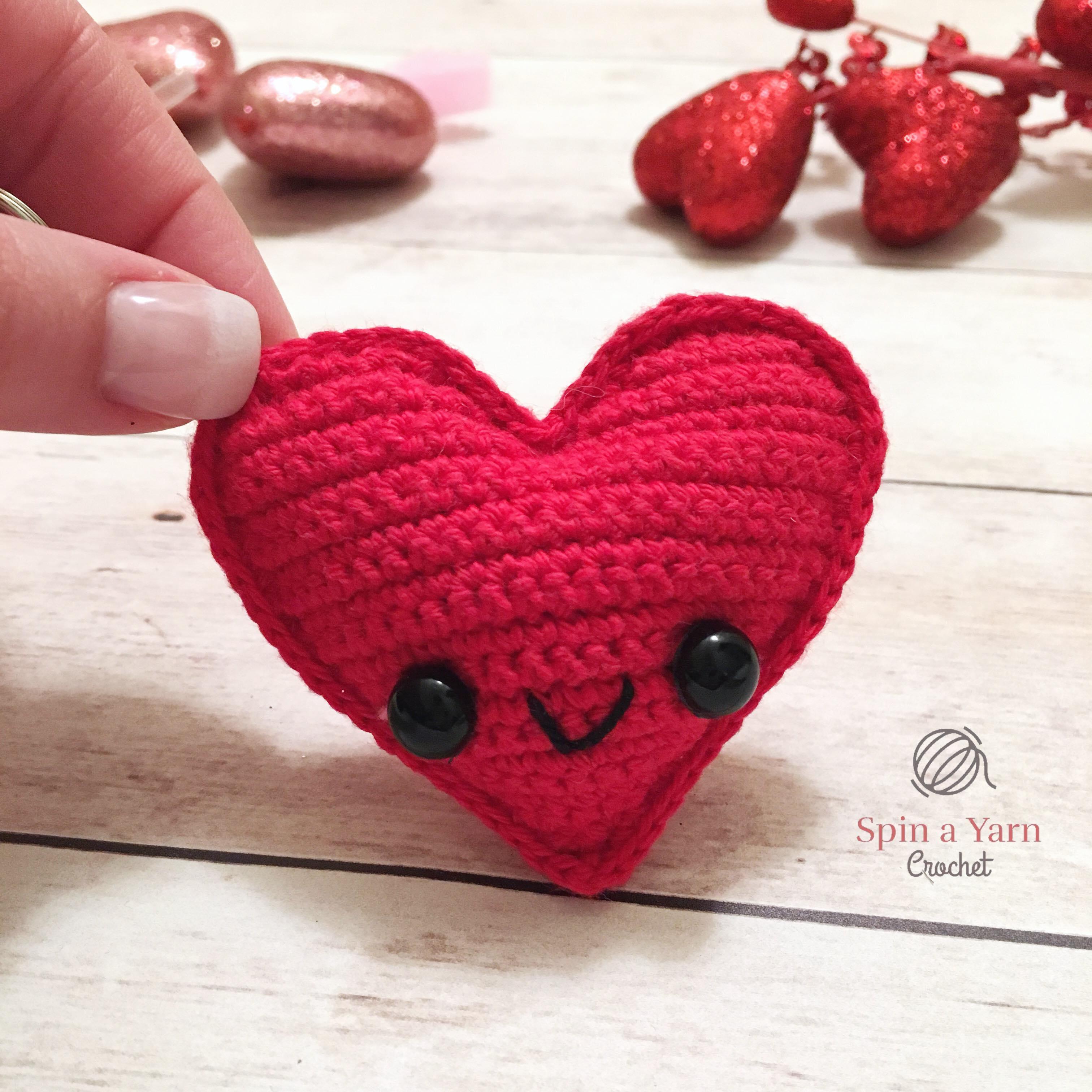 DIY Miniature Crochet Pokeball Keychain Tutorial Pokemon Amigurumi ... | 3024x3024