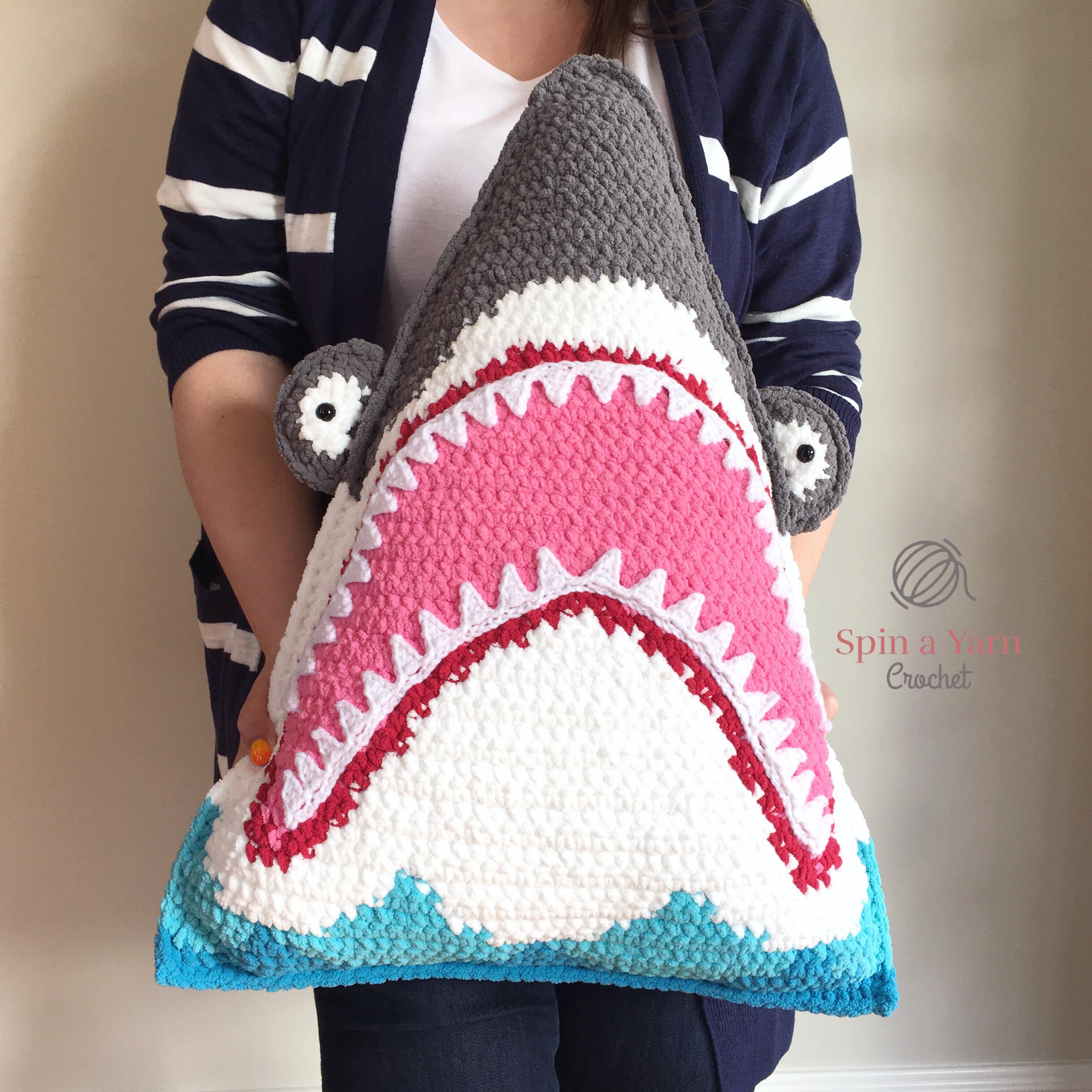 Amigurumi Baby Shark - Crochet Baby Shark Doll - Yellow Baby Shark ... | 3024x3024